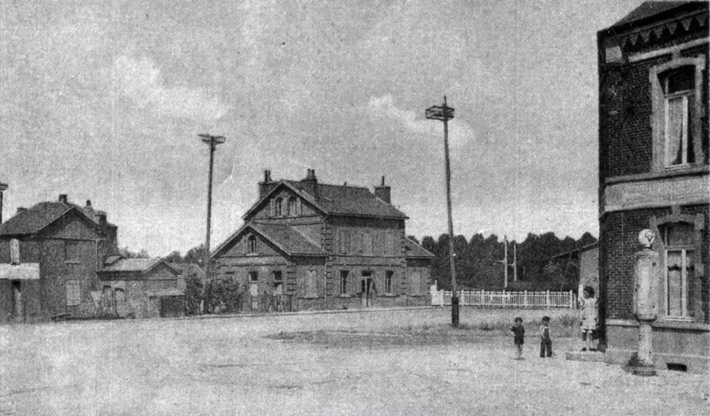 Vieilles photos de la gare pwpbu for Ancienne maison des gardes lourmarin france